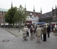 de markt met hez stadhuis